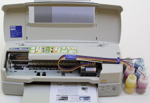 Impresora Epson Stylus 1289 con el sistema de tinta continua